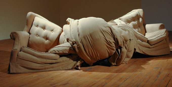 Couch tied in a knot by Bietz.