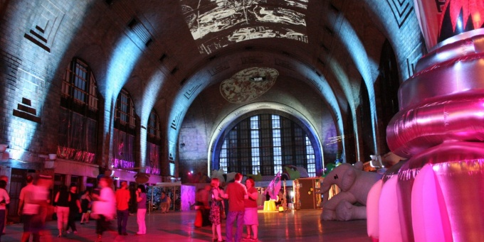 Show held in Buffalo's Central Terminal.