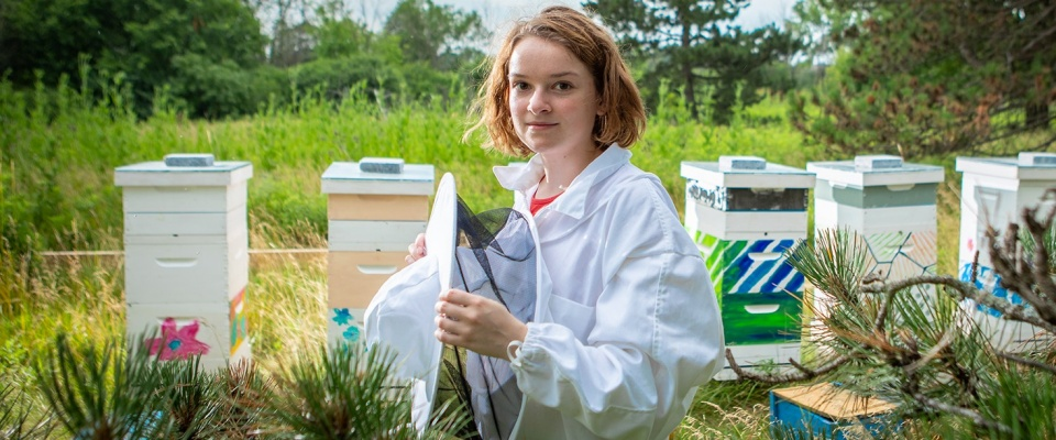 Our Genetics course (BIO-319) inspires the study of 240,000 bees buzzing in six hives on the North Campus, thanks to the persistence of a bee-loving undergradute student and faculty members.