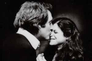 Alan Zweibel kisses Gilda Radner on the nose.